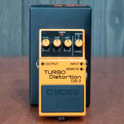 Boss DS-2 Turbo Distortion Pedal w/ Box