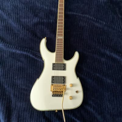 Peavey V-Type EXP Limited Edition Vandenberg White for sale