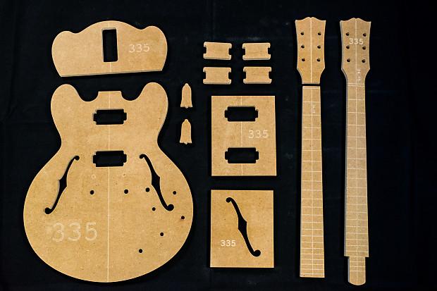 Guitar Templates ~ 335 ~ 1/2\