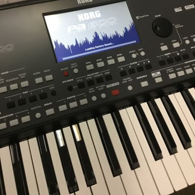 Korg PA 600