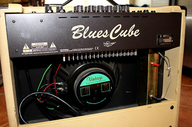 roland blues cube 60 bc 60 guitar amplifier amp w amp cover reverb. Black Bedroom Furniture Sets. Home Design Ideas