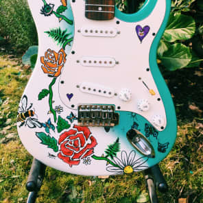 'Magic Forest' - Fern Evergreen Guitars: Hand Painted White/Seafoam for sale