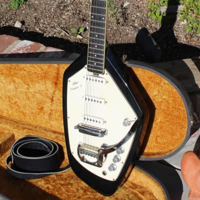 Vox Phantom VI 1965 Black Excellent with original hard case. for sale