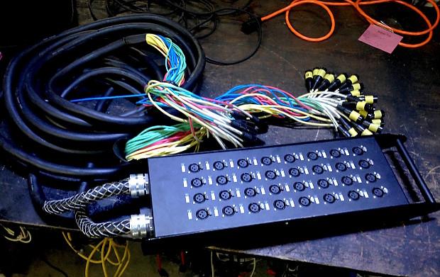 Seismic Audio SATSS-32x1530 32-Channel XLR Splitter Snake