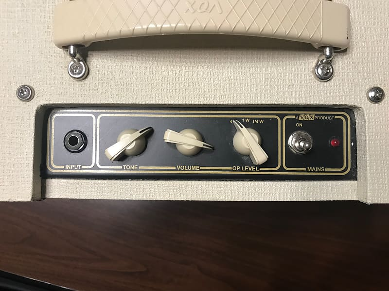 Vox AC4TV 4-Watt plus *Custom made Vinyl Amp Cover*