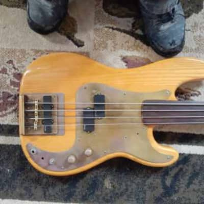 Fender Fretless Precision 1972 Blond