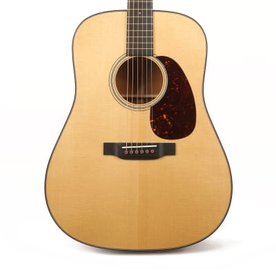 Martin D-18 Modern Deluxe Acoustic Gloss Natural