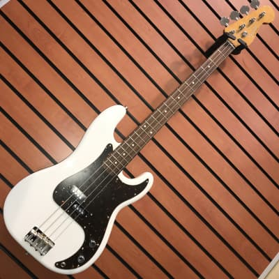 Fender Traditional 60s Precision Bass 2017 Arctic White for sale