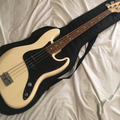 2004 White Mark Hoppus Fender Bass for sale