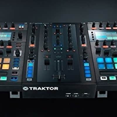 Native Instruments Traktor Kontrol D2 DJ Controller (2) and Native Instruments Traktor Kontrol Z2 DJ