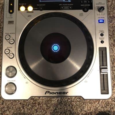 Pioneer CDJ 800 2002 silver