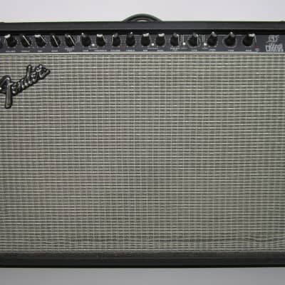 "Fender	Ultimate Chorus DSP 2-Channel 2 x 65-Watt 2x12"" Stereo Solid State Guitar Combo with Onboard Effects	2000 - 2004"