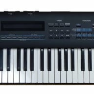 Roland JV-90 Expandable Synthesizer