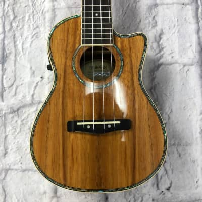 Mitchell MU-100CE/N Ukulele for sale