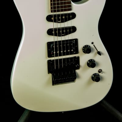 Fender LIMITED EDITION HM STRAT® in Bright White for sale