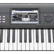 KORG KROME 88 Weighted Key Keyboard / Music Workstation