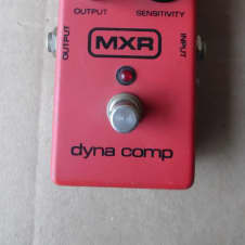 MXR Dyna Comp Vintage  Vintage Red and Black