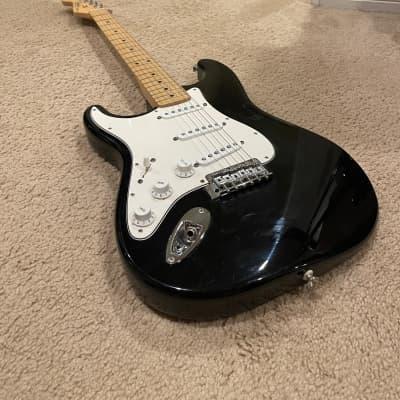 SUMMER SALE// CLEAN 2003 Fender Lefty (left handed) MIM Stratocaster Standard