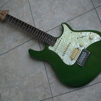 Peavey Predator Plus 1999-2002 Green Electric Guitar - Used for sale