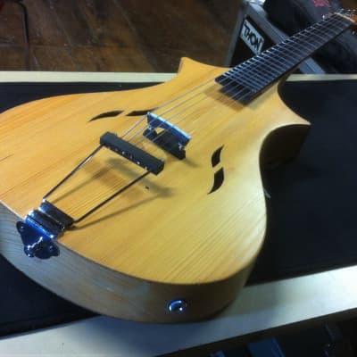 Guitare Hybride violon