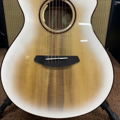 Breedlove Limited Edition Oregon Concert White Sand CE with case. Free Shipping. for sale