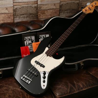 1999 Fender American Standard Fretless Jazz Bass Black & Red Label Case