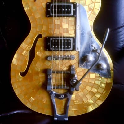 Duesenberg Duesenberg Starplayer TV Ronnie Wood Signature Model 2003 Gold Mother of Pearl for sale