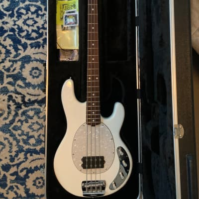 Ernie Ball Music Man StingRay 4 H Bass Guitar
