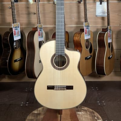 (Used) New World Player Series 640mm Spruce/Rosewood Classical Guitar w/Cutaway #2119 for sale