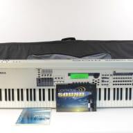 Yamaha MO8 88-Key Production Workstation w/ Gig Bag MO 8