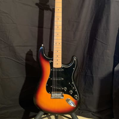 Fender Roadhouse Stratocaster Sunburst 1997 (maple fretboard, Texas special pickups) for sale