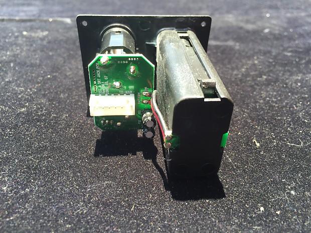 Jack Combo Takes 2 AA Batteries Ibanez Battery Box NEW 5AJB01F
