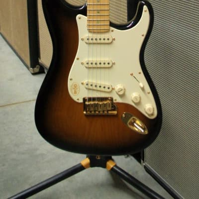 Fender 50th Anniversary American Deluxe Stratocaster 2004 2-Color Sunburst for sale