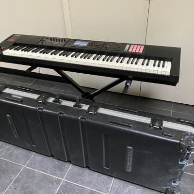 Roland FA-08 88-Key Music Workstation with Roadcase