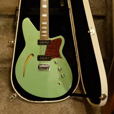 Reverend Airwave 12 with Free Reverend Case & Free Shipping!