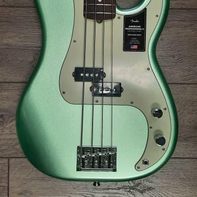 Fender American Professional II Precision Bass® Rosewood Fingerboard, Mystic Surf Green