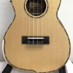 Guson GUK-266 Acoustic-Electric Tenor Ukulele