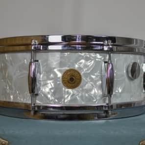 """Gretsch Round Badge 4103 Renown 14x5.5"""" 8-Lug Snare Drum Wrap Finish 1958 - 1971"""
