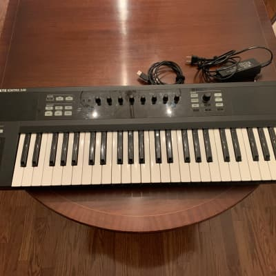 Native Instruments Komplete Kontrol S49 Keyboard Controller NO SOFTWARE