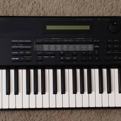 Roland  XP-50 Synthesizer Workstation