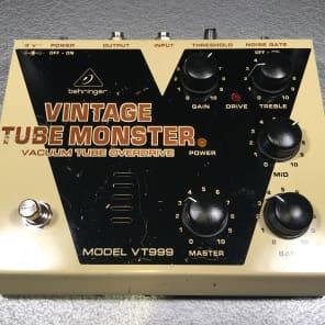 Behringer VT999 Vintage Tube Monster Vacuum Tube Overdrive