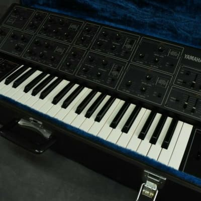Yamaha CS-15 Vintage Analog Synthesizer in Excellent Condition w/ Hard Case