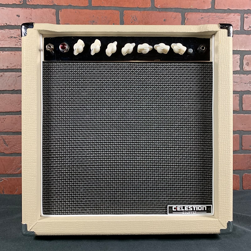 monoprice 15 watt 1x12 guitar combo tube amplifier with reverb. Black Bedroom Furniture Sets. Home Design Ideas