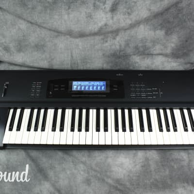 Korg 01/W FD Music Workstation Synthesizer in Very Good Condition