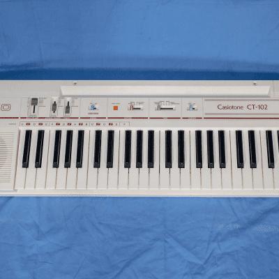 Casio CT-102 Casiotone 49-Key Synthesizer