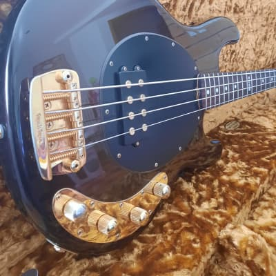 Music Man Stingray limited edition Sequoia Gold 2008