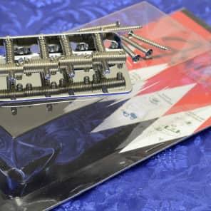 Genuine Fender Threaded Saddle Bass Bridge Assembly 0990804100 New