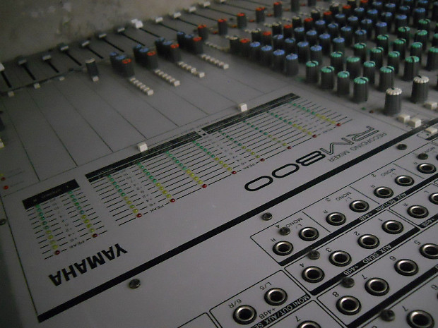 Yamaha Rm800 24 Recording Mixer 24 Channel Console Reverb