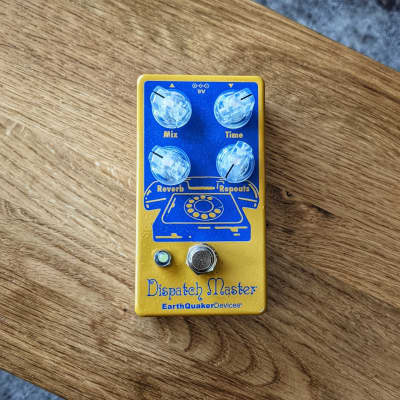 Earthquaker Devices Dispatch Master v3 Digital Delay & Reverb with Flexi-Switch TSP Exclusive Yellow and Navy for sale