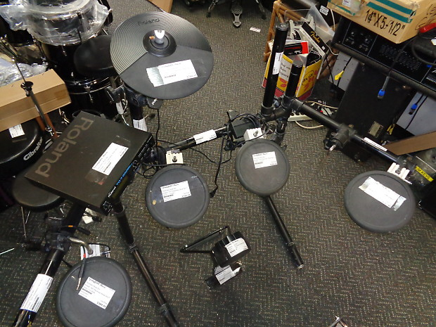 used roland td 7 electronic drum set 5 drum triggers 1 reverb. Black Bedroom Furniture Sets. Home Design Ideas